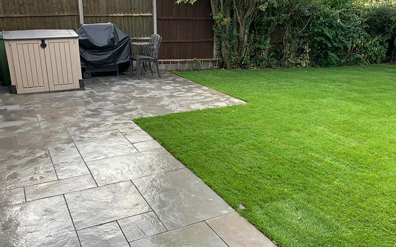 Lawn and patio paving work in Leicestershire